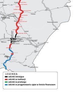 Na fragmencie mapy Polski zaznaczone niebieskie, czerwone iczarne podwójne linie